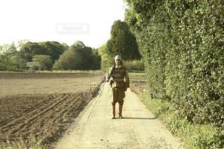 男性,30代,夏,屋外,男,日本,野外,歴史,軍服,ミリタリー,田舎道,サバゲー,日本軍,戦争,銃,兵隊,太平洋戦争,第二次世界大戦,旧日本軍