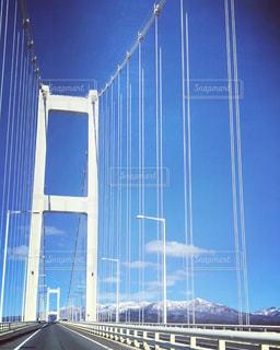 近くの橋の上の写真・画像素材[1707839]