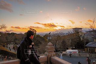 男性,空,冬,清水寺,京都,夕焼け,夕暮れ,男,日の入り,黄昏時,冬休み