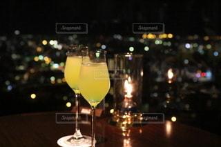 夜景,沖縄,グラス,カクテル,お祝い,乾杯,ドリンク,ロマンティック,記念,フォトジェニック,祝福,乾杯フォト,2人の記念日,シークゥワーサーカクテル,シークゥワーサー,販売用