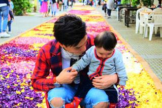 男性,子ども,花,屋外,親子,男,男子,人物,人,昼間,花の回廊