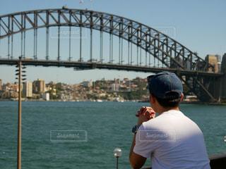 男性,海,空,橋,海外,後ろ姿,人物,背中,人,オーストラリア