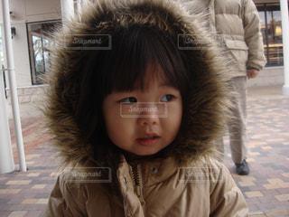 フードの少女の写真・画像素材[1671397]