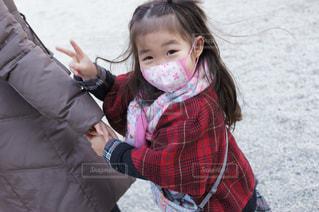 マスクでお出かけ風邪予防の写真・画像素材[1674506]