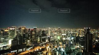 スカイビル空中庭園からの大阪夜景の写真・画像素材[1687106]