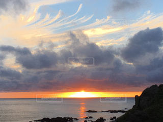 海,空,太陽,雲,青空,夕焼け,夕暮れ,光,青森
