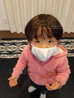 幼児もマスクで感染予防の写真・画像素材[3527429]