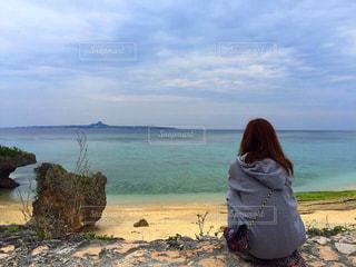 海,空,後ろ姿,沖縄,平和,休日,休み,まったり,うしろすがた