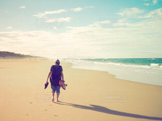 自然,風景,海,海外,ビーチ,後ろ姿,山,人物,スケートボード,スケボー,オーストラリア,探検,海外生活,トリップ,うしろすがた