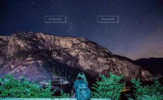 夜景,絶景,海外,後ろ姿,山,登山,星,人物,ハイキング,カナダ,バンクーバー,海外生活,うしろすがた,ジョフリーレイク