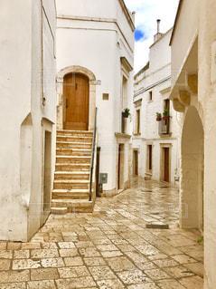 建物,街並み,海外,階段,茶色,ドア,イタリア,ベージュ,石畳み,色・表現,ミルクティー色