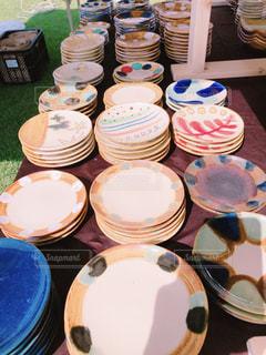 絵,茶色,沖縄,ベージュ,お皿,陶器,絵皿,色・表現,ミルクティー色