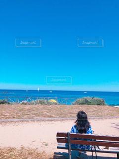 海でまったりの写真・画像素材[2073986]