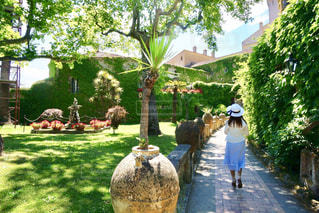 庭園を散歩の写真・画像素材[2260392]
