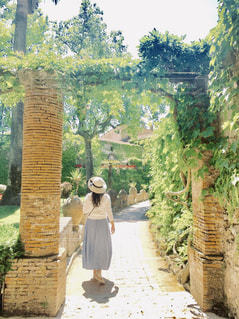 庭園を散歩の写真・画像素材[2260402]