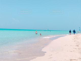 美しすぎる海の写真・画像素材[2329639]