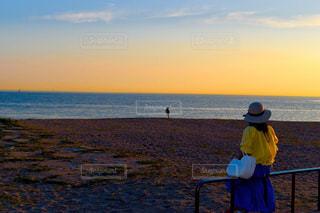 女性,風景,海,空,夕日,屋外,夕暮れ,帽子,夕方,レトロ,ナチュラル,フィルム,雰囲気,フィルム写真,フィルムフォト