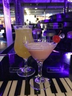 飲み物,夜,ピンク,ピアノ,グラス,カクテル,乾杯,イエロー,ドリンク,BAR,サクランボ