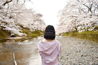 春コーデの写真・画像素材[3104656]