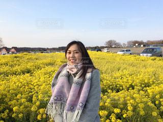 お花畑を着ている女性の写真・画像素材[1825416]