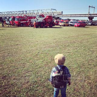男性,家族,電車,男,消防車,色・表現