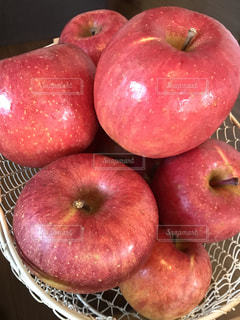 食べ物,フルーツ,果物,りんご,色,ふじ,フォトジェニック,信州りんご,色・表現