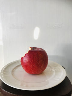 食べ物,フルーツ,アップル,りんご,果実,色,ふじ,フォトジェニック,たべかけ,信州りんご,色・表現