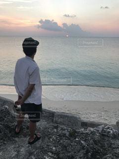 男性,夕日,後ろ姿,沖縄,サンセット