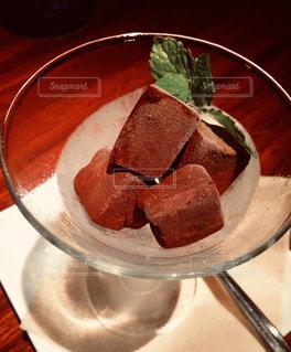 濃厚生チョコをバレンタインの夜に、バーで。の写真・画像素材[1776463]