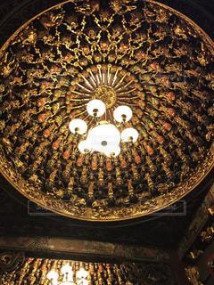 屋内,鮮やか,電灯,天井,台湾,装飾,お寺,寺院,細工