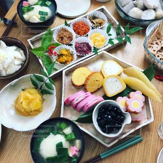 おせち料理とお雑煮の写真・画像素材[1730695]