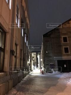 小樽の雪の路地裏の写真・画像素材[1732196]
