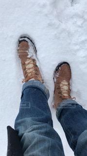 雪の日の足元の写真・画像素材[1732215]