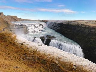空,海外,雲,晴れ,青,水,滝,旅行,海外旅行,アイスランド,日中,しぶき,グトルフォス