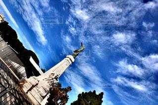 風景,空,屋外,太陽,晴れ,青空,青い空,ヨーロッパ,塔,旅行,フランス,地面,快晴,パノラマ,南仏,クラウド,南フランス