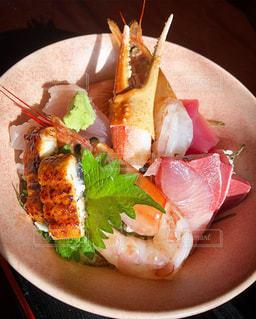豪華海鮮丼の写真・画像素材[1732018]