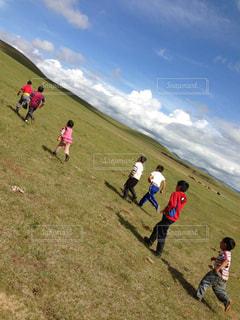 子ども,自然,空,大地,旅,モンゴル,地平線,海外旅行