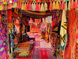 魔法の絨毯を探せの写真・画像素材[2381308]