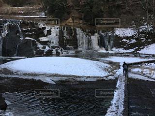 雪の滝の写真・画像素材[1736179]