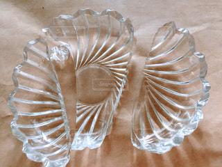 割れた小皿の写真・画像素材[1829673]