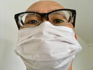 マスクをした男性の写真・画像素材[2015842]