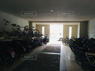 自転車置き場の写真・画像素材[2069906]