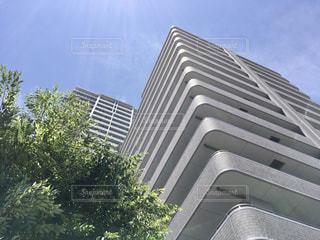 高い建物の写真・画像素材[3247519]