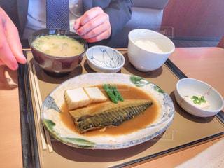 サバの味噌煮定食の写真・画像素材[2041496]