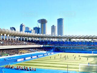 スタジアムと高層ビルの写真・画像素材[2848666]
