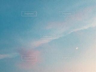 淡い色の空の写真・画像素材[1739744]