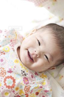 満面の笑みの赤ちゃんの写真・画像素材[1745244]