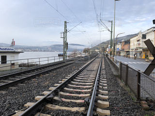 遠くまで見える線路の写真・画像素材[1742762]