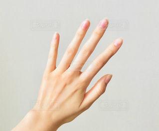 女性の手の写真・画像素材[1853677]