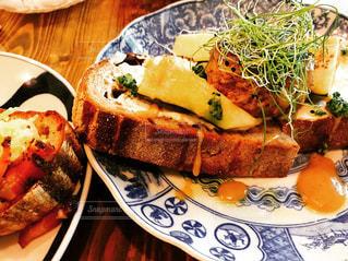 ライ麦パンと野菜の写真・画像素材[1746313]